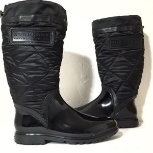Authentic Burberry black rubber quilted rainboots